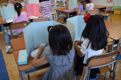 Pre-2nd Graders Improve On Their English